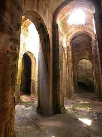 Naples aqueducts - Villa mirabilis piscina ...